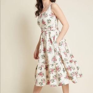 Modcloth Dresses - Collectif X Modcloth Frida 50s Floral Swing Dress